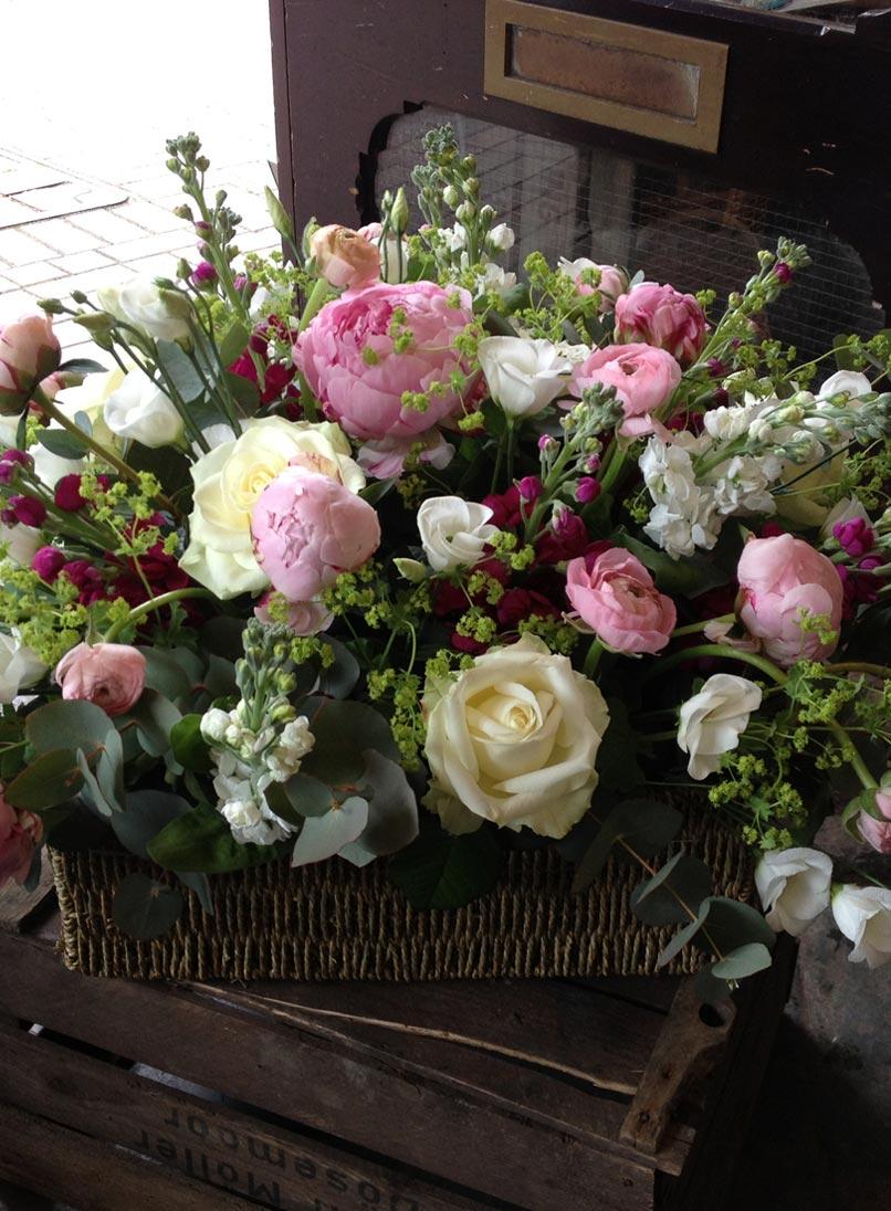 ift Occasion - Beautiful summer flower gift basket