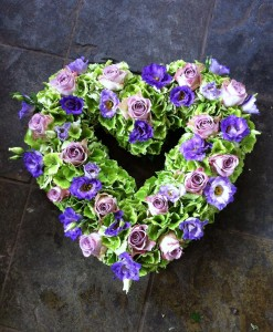 Lilac & green open heart tribute