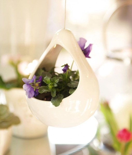 hanging-pear-shaped-vase