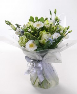 white-christmas-handtied-bouquet-the-cornflower