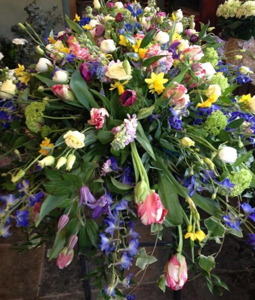 Sympathy Flowers Coffon Spray024