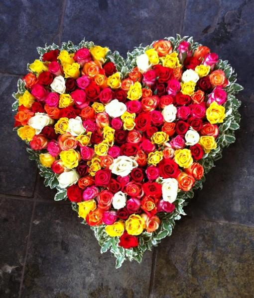 Based heart design of roses