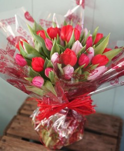valentines-day-loveliest-tulip-bouquet