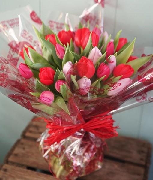valentines-day-loveliest-tulip-bouquet