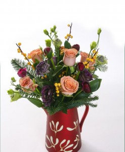 mistletoe-kisses-jug-arrangement-the-cornflower